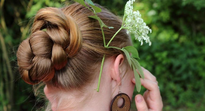 Женщина, которая меняет прическу--меняет ход своей жизни. Уделите внимание волосам!